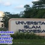 Mahasiswa kampus-uii
