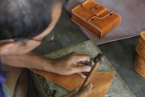 Bantul Desa Manding proses buat Sepatu Tas