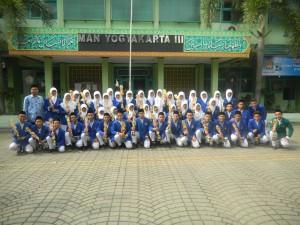 MAN 3 Yogyakarta meraih-Juara-Aksioma-Sleman-2014-300x225