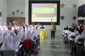 SMPN 10 Yogyakarta PBM Guru