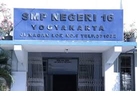 SMPN 16 Jogja  Gerbang