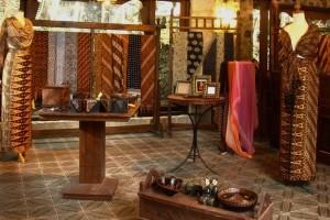 13-ullen-sentalu-batik-room