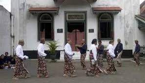 3-kolesksi-batik-keraton-abdi-dalem