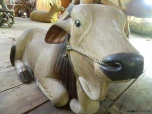33-museum-kayu-wanagama-patung-sapi