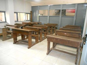 44-museum-pendidikan-indonesia-jogja-meja-kelas